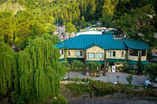 A bird's-eye view of Shervani Hilltop Resort