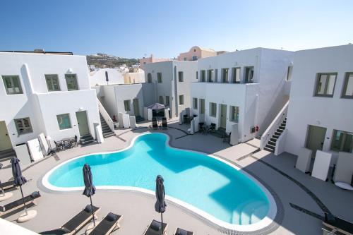 Θέα της πισίνας από το Kallos Imar Hotel ή από εκεί κοντά