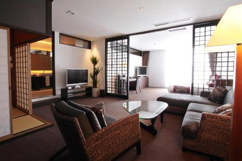 A seating area at Kizashi The Suite