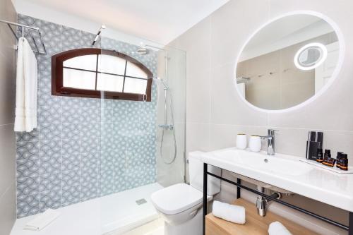 Een badkamer bij HD Parque Cristobal Tenerife