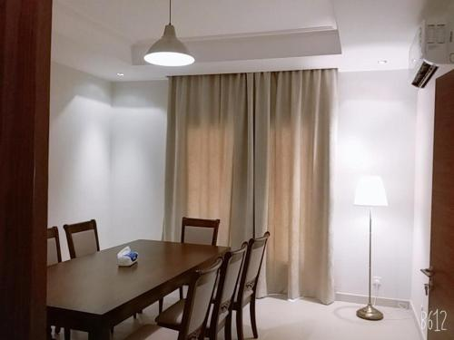 Espaço para refeições na villa