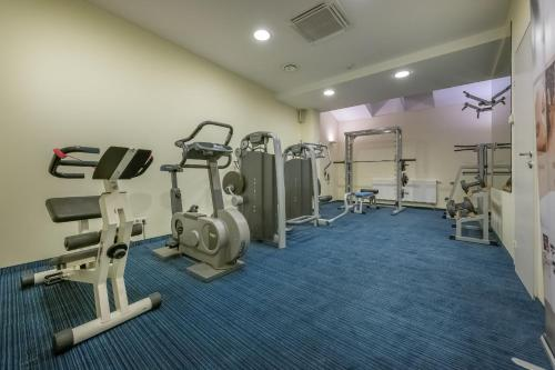 The fitness center and/or fitness facilities at Artis Centrum Hotels