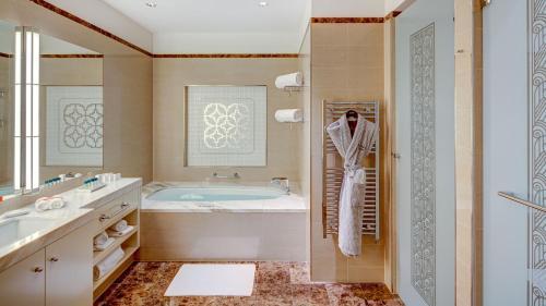 Un baño de Palais Hansen Kempinski Vienna