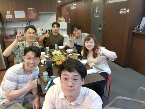 A family staying at Philstay Myeongdong Station