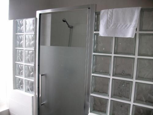 A bathroom at Hotel Neguri