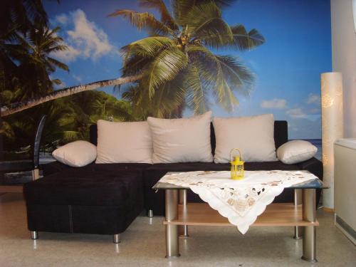 Ein Sitzbereich in der Unterkunft Ferienwohnung Ina - Garantiert EP Tickets für unsere Gäste