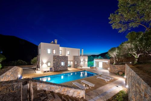 The swimming pool at or near Villa Adagio 5 Bedroom with Private Eco-Friendly Heated Pool