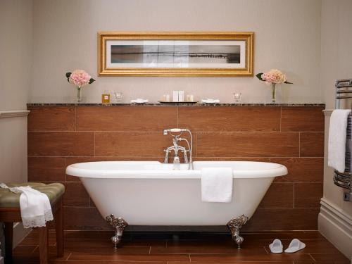 A bathroom at Actons Hotel Kinsale