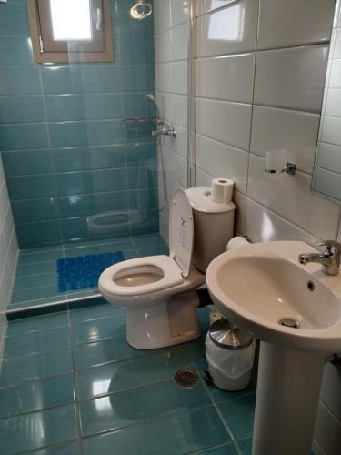 Un baño de Mavroforos Hotel