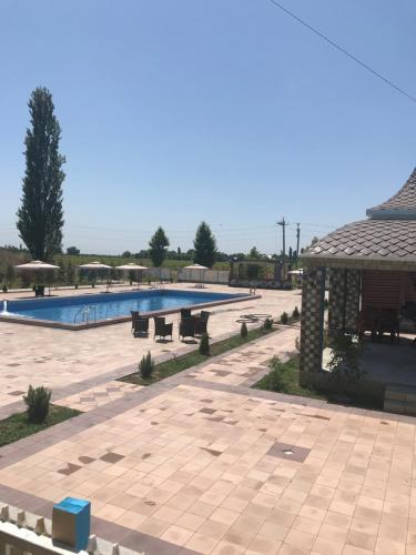 A piscina localizada em Royal&Xan Palace ou nos arredores