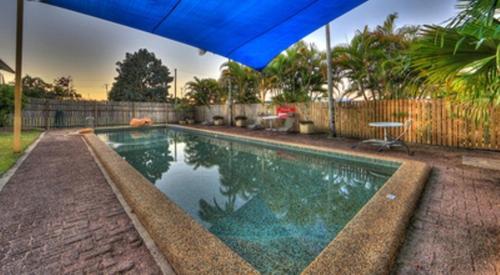 The swimming pool at or near Kookaburra Holiday Park