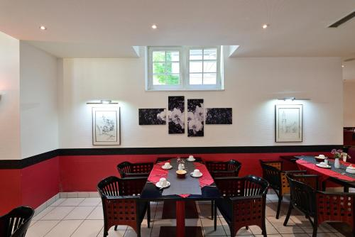 A restaurant or other place to eat at Art Hotel Weimar