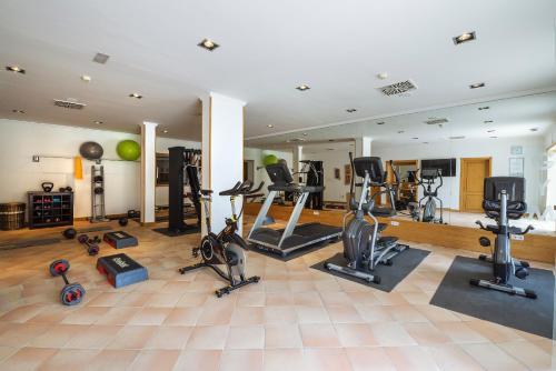 Gimnasio o instalaciones de fitness de Hotel Hacienda del Conde - Member of Meliá Collection