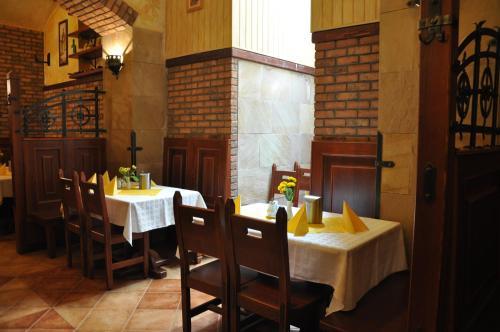 En restaurant eller et andet spisested på Hotel Dar
