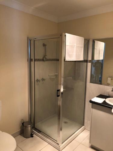 A bathroom at Gumnut bnb