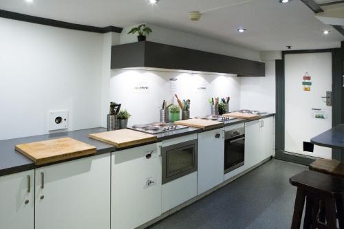 Küche/Küchenzeile in der Unterkunft The Flying Pig Downtown