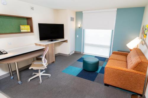 A television and/or entertainment center at Home2 Suites by Hilton Las Vegas City Center