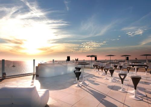 Piscina en o cerca de Hard Rock Hotel Ibiza
