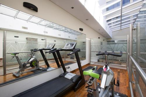 The fitness centre and/or fitness facilities at Blank Hotel Recoleta
