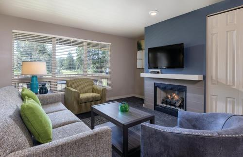 A seating area at WorldMark Eagle Crest