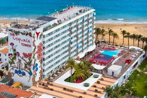 Een luchtfoto van Ushuaia Ibiza Beach Hotel - Adults Only