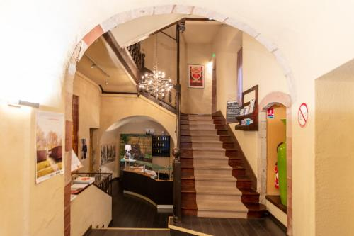 The lobby or reception area at Hotel du Clocher