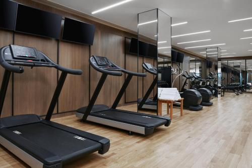 The fitness centre and/or fitness facilities at Grand Hyatt Athens