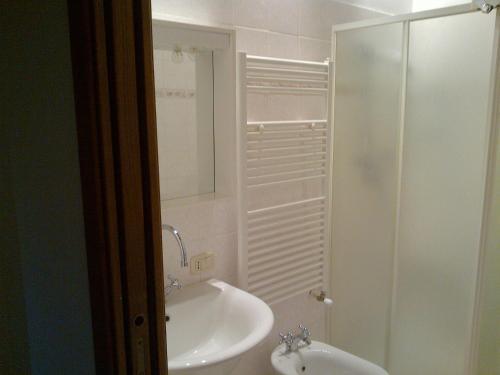 A bathroom at Agriturismo Bonacchi