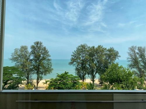 A general sea view or a sea view taken from the homestay