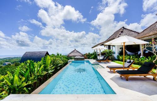 A piscina em ou perto de Sunhouse, Mandala Village