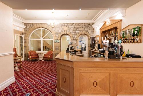 The lounge or bar area at Grange Hotel