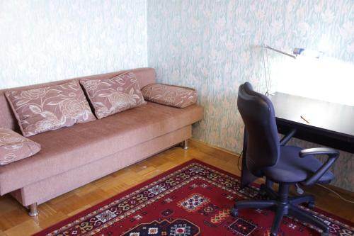 Гостиная зона в 1- комнатная квартира
