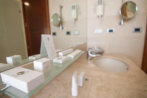 A bathroom at Enjoy Viña Del Mar