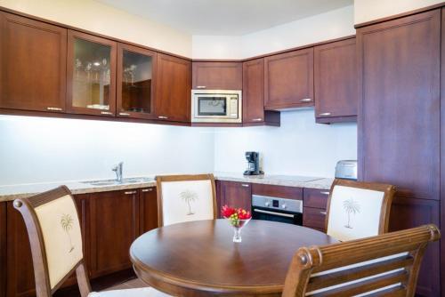 A kitchen or kitchenette at Jewel Grande Montego Bay Resort and Spa