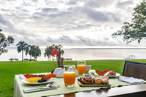 Breakfast options available to guests at Puerto Valle Hotel de Esteros