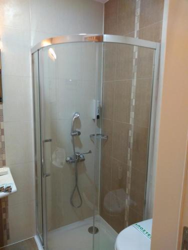 Ένα μπάνιο στο Onar Pension