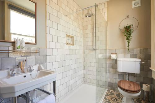 A bathroom at Broad Street Townhouse