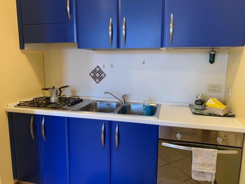 A kitchen or kitchenette at Apartment Orio 3