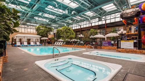 Piscina en o cerca de Best Western Plus Cairn Croft Hotel