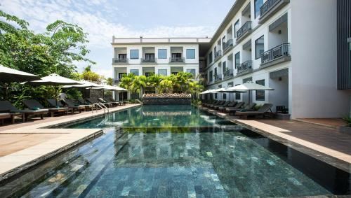 The swimming pool at or near Green Amazon Residence Hotel