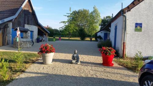 A garden outside Chantalame