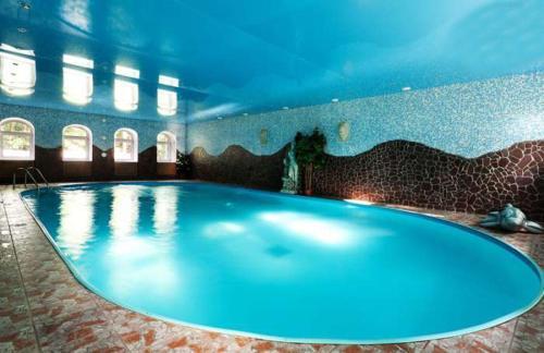 The swimming pool at or close to Art Hotel Pushkino