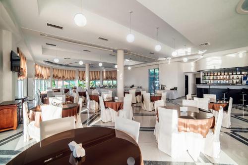 Ресторан / где поесть в Hotel Sanapiro