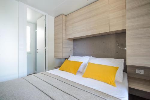 Medora Orbis Mobile Homes & Glamping
