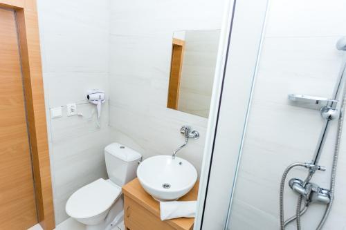 Koupelna v ubytování TIF hotel & restaurant