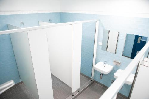 A bathroom at Wake Up! Bondi Beach