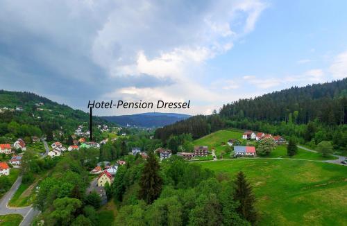 Blick auf Hotel-Pension Dressel aus der Vogelperspektive