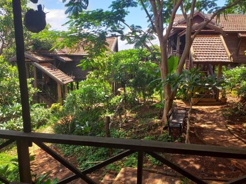 Nature House Eco-Lodge