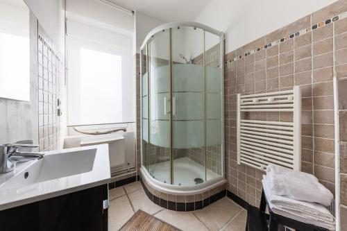 A bathroom at Le Protis