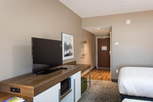 A television and/or entertainment center at Hampton Inn & Suites St. George